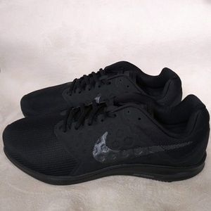 Nike Downshifter 7 Mens Sneakers 4E